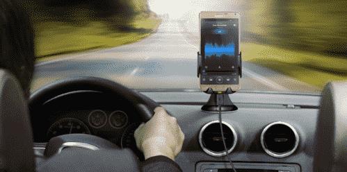 三星开发新型无线汽车充电器,带冷却风扇