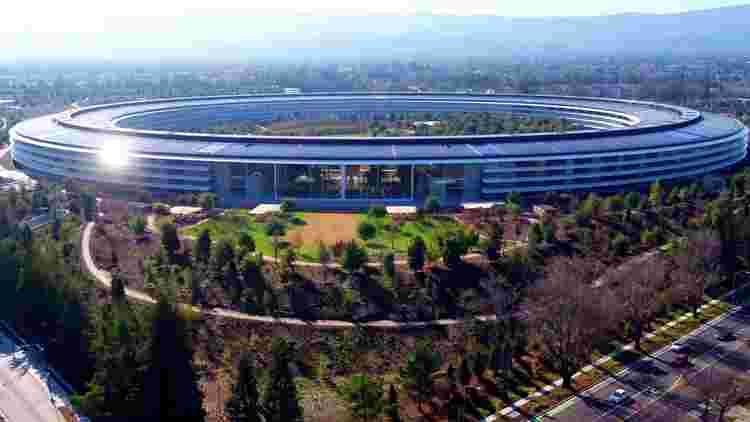 玻璃设计错误现在伤害iPhone痴迷于苹果工作人员