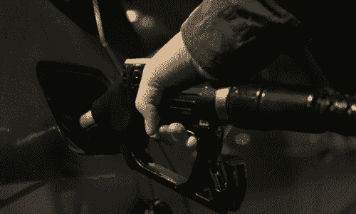 """ACCC敦促驾驶者""""战斗""""汽油零售商的纪录边距"""