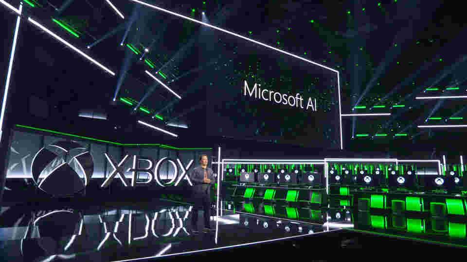 微软展示了新的光环,宣布博彩工作室的含水